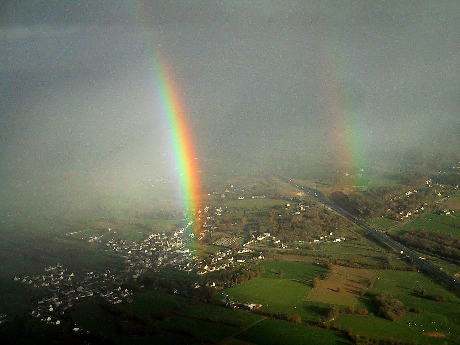 Dobrin, Alex: Over the rainbow
