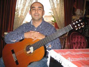Luis B Oliveira
