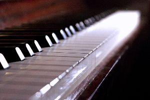 Opus 8: 5 petites pièces pour piano.